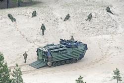 AAV-7 — Десантно-гусеничная машина-амфибия