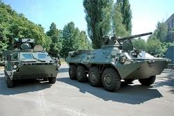 Бронетранспортеры БТР-4 и БТР-3