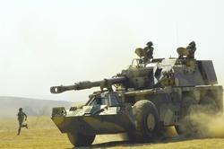 Самоходная гаубица G6 Rhino