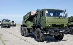 Боевые машины 2Б26 модернизированной РСЗО Град