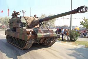 Самоходная артиллерийская установка M-52T