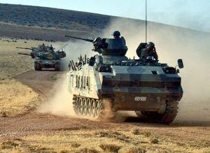 Турецкая бронетехника на марше