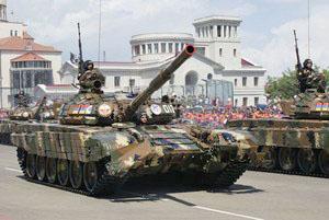 Т-72 - Степанакерт, парад 9 мая 2012
