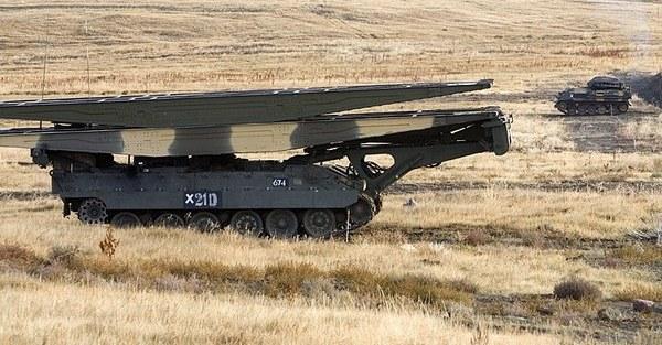Танковый мостоукладчик «Титан»