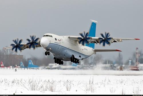 Ан-70 (c) Василий Коба russianplanes.net