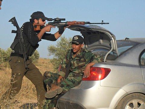 Снайпер в Сирии (c) Reuters