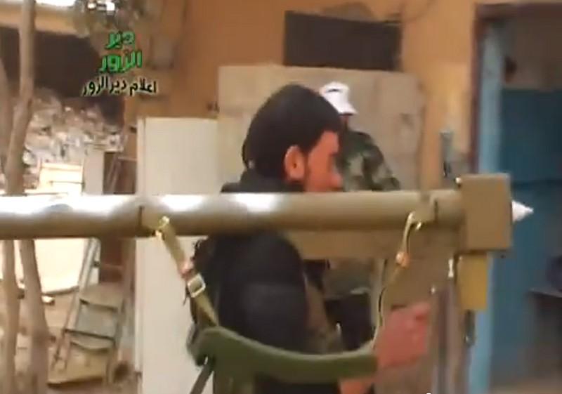 Сирийские боевики с ПЗРК FN-6