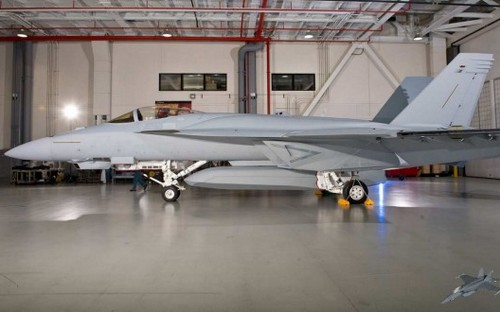 F/A-18E/F Super Hornet с конформными  топливными баками