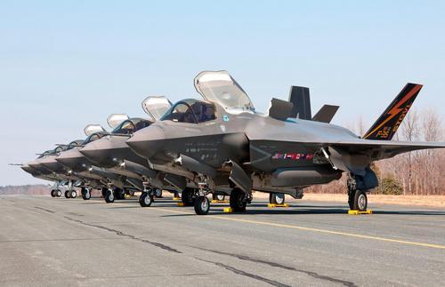 Многоцелевые истребители F-35B