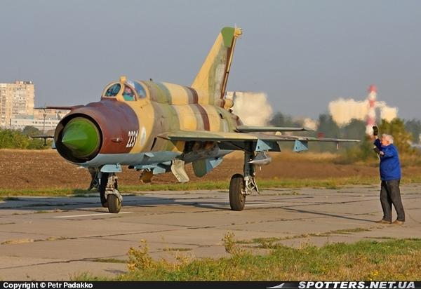 МиГ-21БИС ВВС Йемена (c) Petr Padakko spotters.net.ua