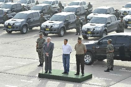 передача Toyota Hi-Lux ВС Перу