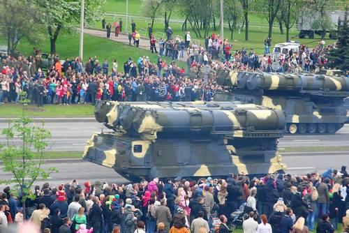 ЗРС С-300 на параде в Минске в 2010 году