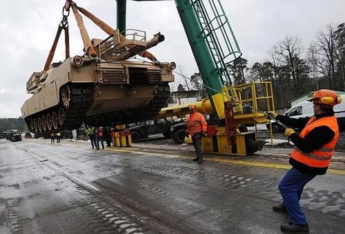 погрузка танков в Германии