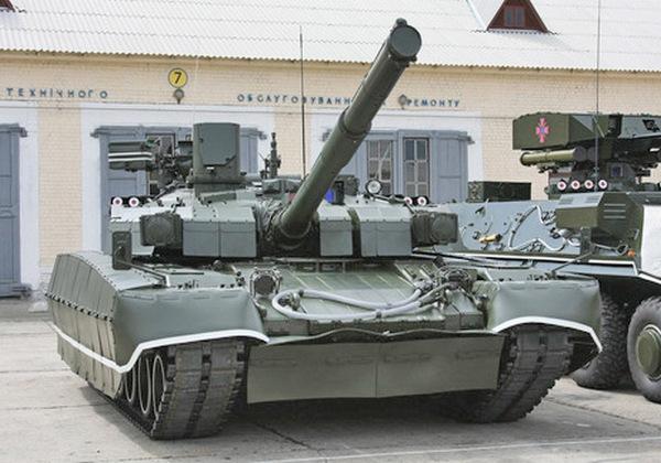 Танк Оплот-М с динамической защитой дуплет