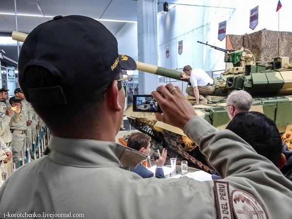 Т-90С на  SITDEF 2013 (c) Военный дневник Игоря Коротченко