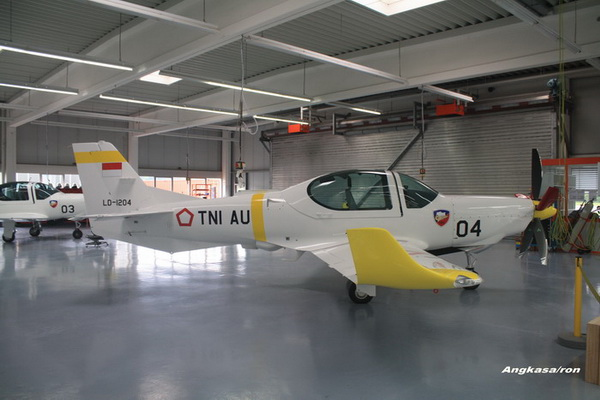 самолет G-120TP немецкой компании Гроб эйркрафт