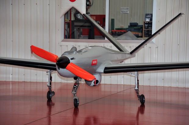 Беспилотный разведывательный самолет Karayel