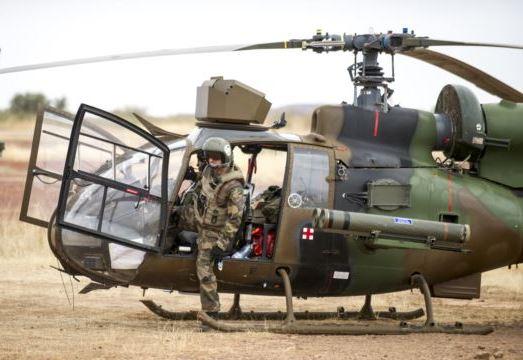 Вертолет Газель ВС Франции (c) AP