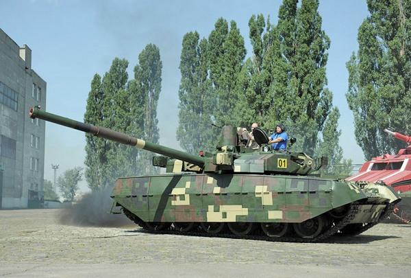 Демонстрация первого серийного танка Оплот