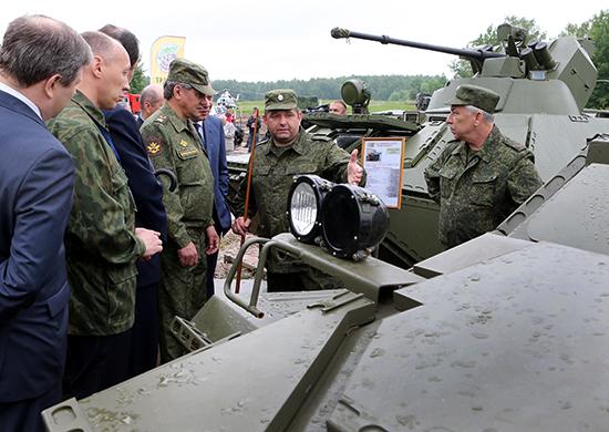 БТР-82А и МТ-ЛБ