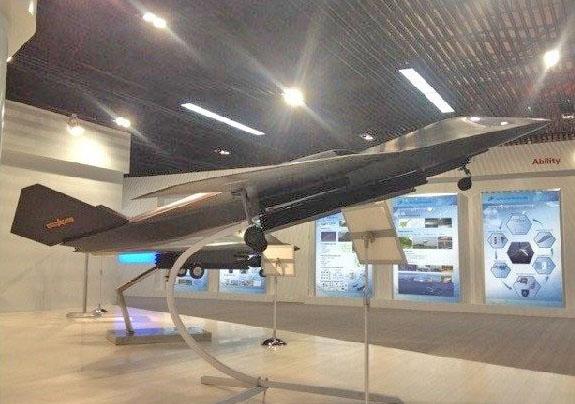 Модель нового бомбардировщика (с) news.sina.com.cn