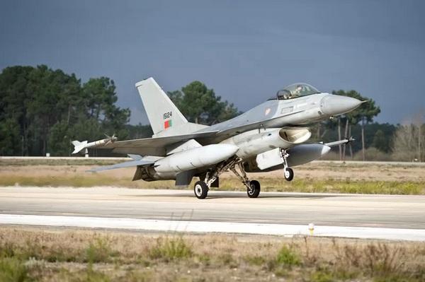 F-16  из состава ВВС Португалии