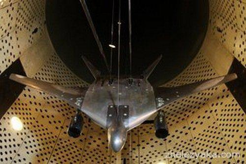 модель Летающее крыло