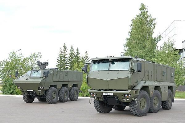 Тайфун-К КамАЗ-63969 (слева) и КамАЗ-63968 (справа) (с) ОАО КАМАЗ