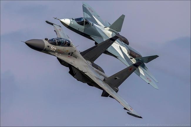 Т-50 и Су-30М Репетиция прохода парой (c) fotografersha.livejournal.com