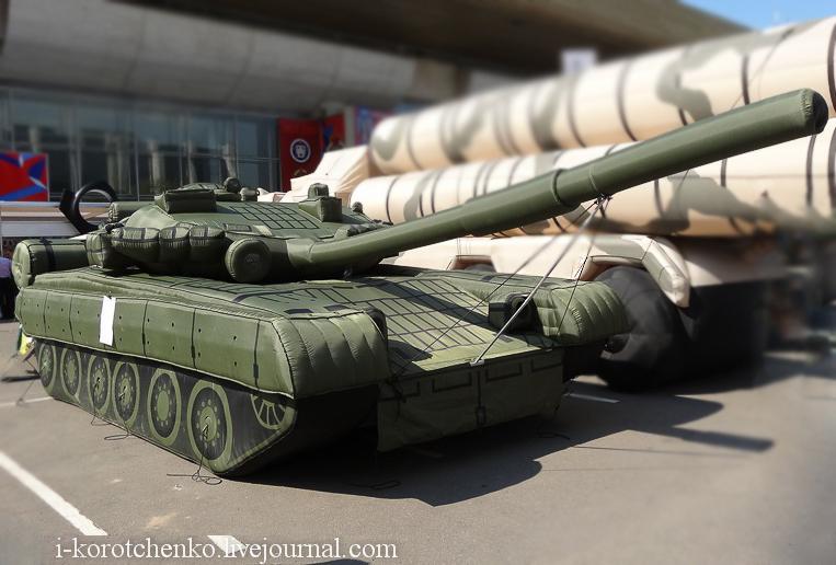 Макет танка Т-80 (с) i-korotchenko.livejournal.com