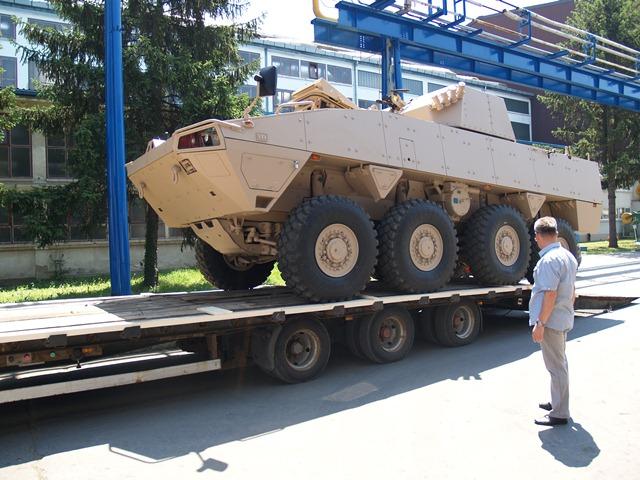 Patria AMV перед отправкой в Кувейт