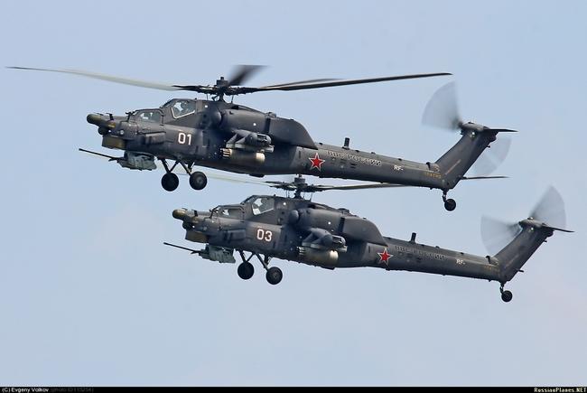 Новые боевые вертолеты Ми-28Н ВВС России (белые бортовые номера 01 и 03). Предположительно, Торжок, август 2013 года (с) Евгений Волков / russianplanes.net