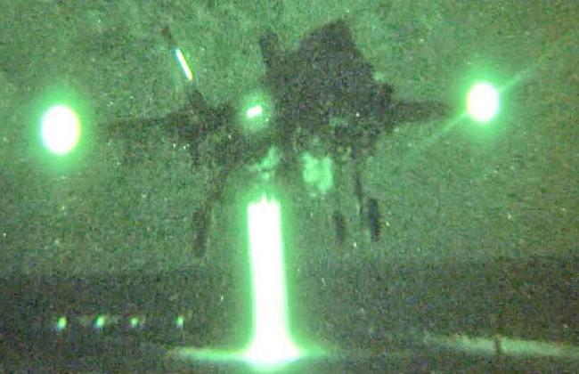 F-35B над палубой УДК Wasp (c) sandrermakoff.livejournal.com