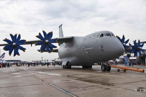 самолет Ан-70