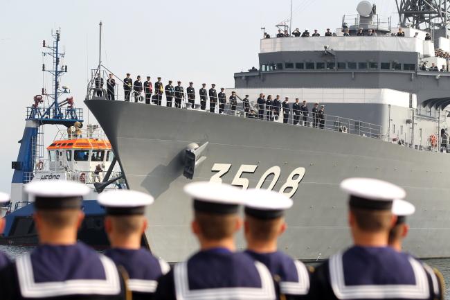Японский корабль Касима прибывает в Гдыне (c) PAP/Piotr Wittman