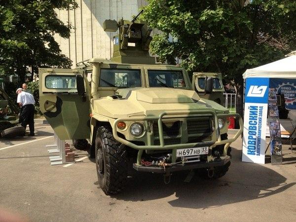 Тигр-М с прототипом боевого модуля (с) Vitaly V. Kuzmin