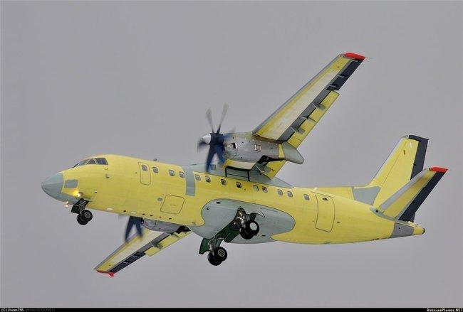 Ан-140 (c) Vivan755 russianplanes.net
