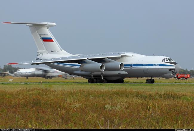 Ил-76МД (c) Михаил Мизикаев russianplanes.net