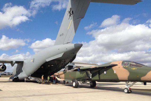 F-111 с бортовым номером A8-130