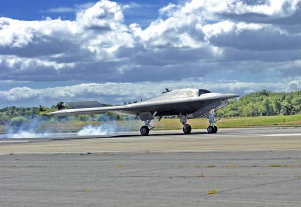 X-47B (c) navair.navy.mil