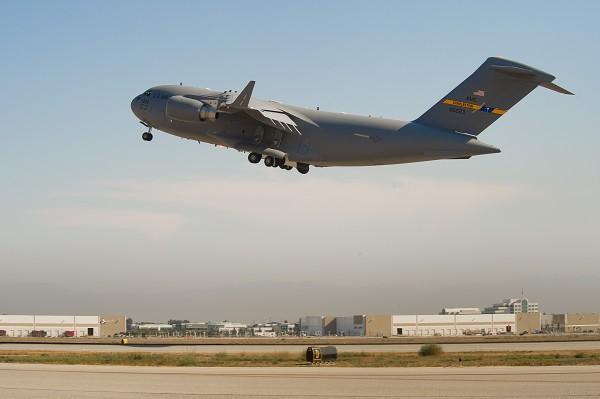 USAF C-17 (c) www.asdnews.com