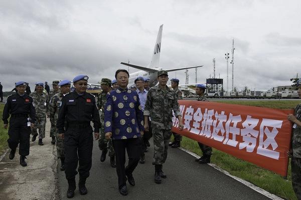 Военнослужащие китайской военной полиции прибыли в Либерию