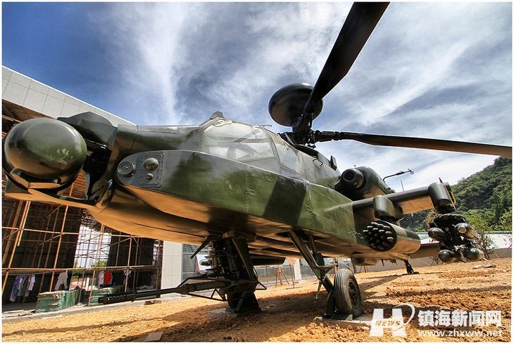 Реплика вертолета Апач  Expo Park