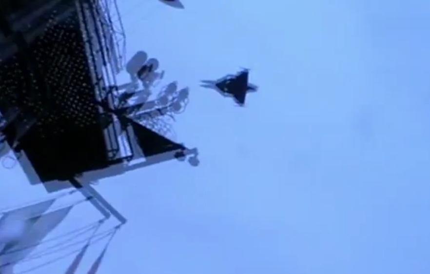 Кадры видео с имитацией боевого захода  JAS 39 Gripen ВВС Швеции