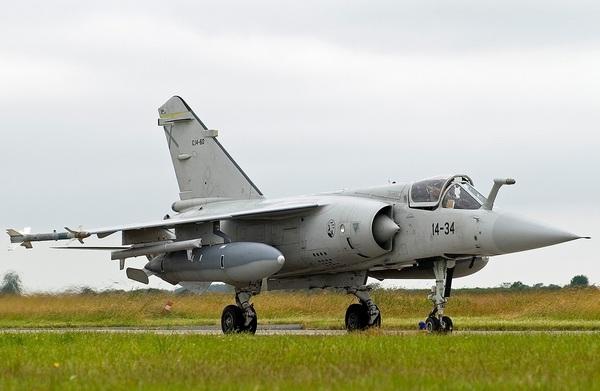 Dassault Mirage F1  (c) wallpampers.ru