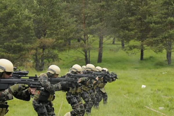 (c) www.militaryphotos.net