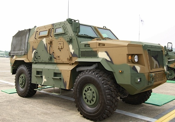 Бронеавтомобиль KMRAP Doosan DST