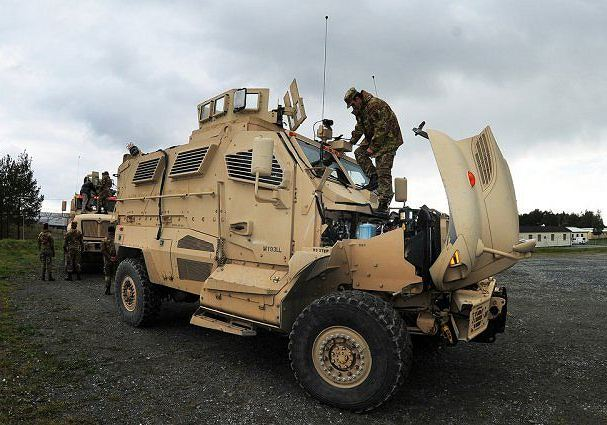 MaxxPro (c) www.armyrecognition.com