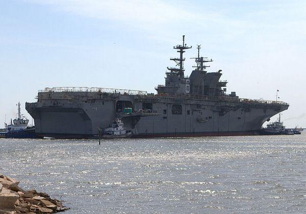 десантный корабль LHA-6 America