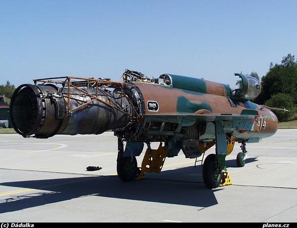 МиГ-21 (c) www.planes.cz